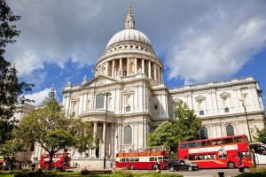 1675-1710, London, England, UK --- St. Paul's Cathedral --- Image by © Sylvain Sonnet/Corbis